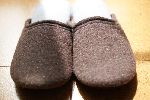 スリッパ専門店フィットランドのウールスリッパ「boccoブラウン・L)」の写真