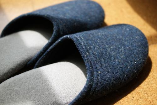 スリッパ専門店フィットランドのウールスリッパ「bocco(ブルー・L)」の写真