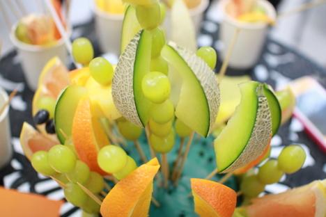 食べられて果物が減ったフルーツブーケ(フルーツアレンジメント)